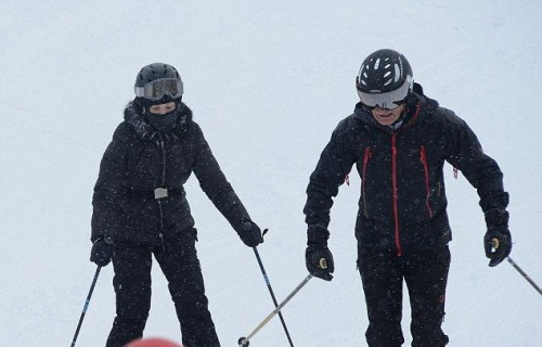 Madonna spotted skiing in Gstaad, Switzerland - December 2014 (2)