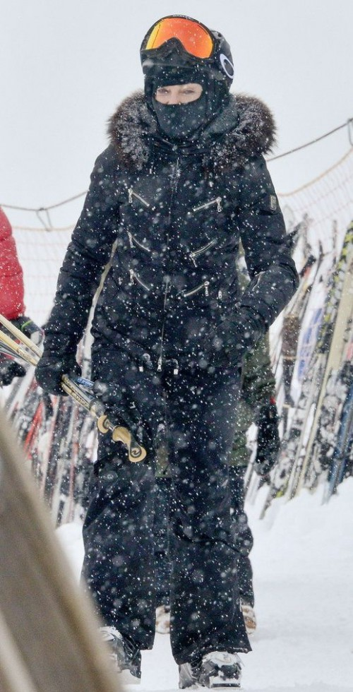 Madonna spotted skiing in Gstaad, Switzerland - 30 December 2014 (1)