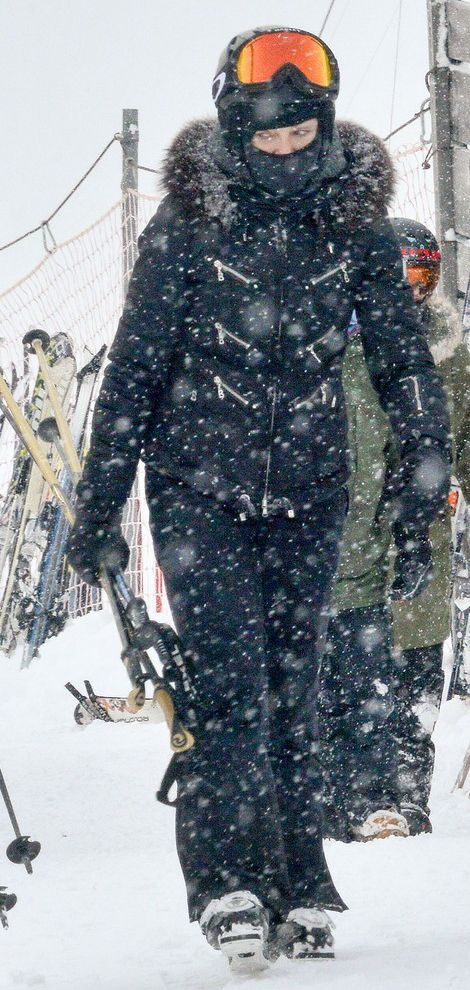 Madonna spotted skiing in Gstaad, Switzerland - 30 December 2014 (2)