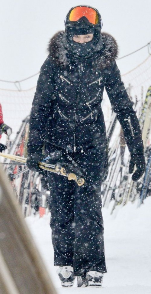 Madonna spotted skiing in Gstaad, Switzerland - 30 December 2014 (3)