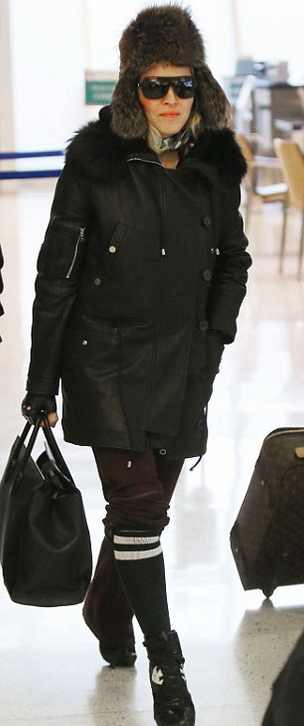 Madonna at JFK airport, New York - 1 February 2015 - Pictures (1)