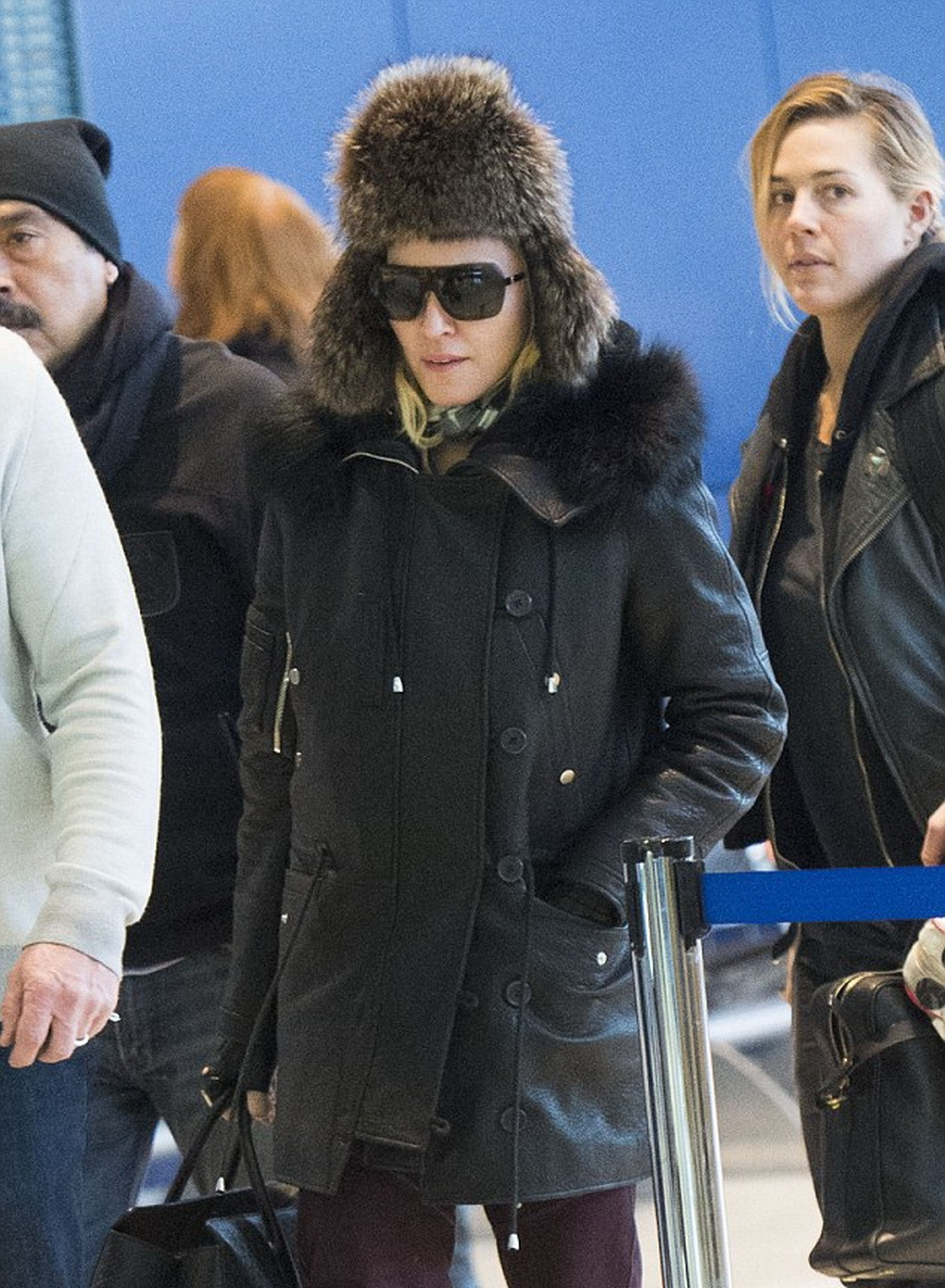 Madonna at JFK airport, New York - 1 February 2015 - Pictures (4)