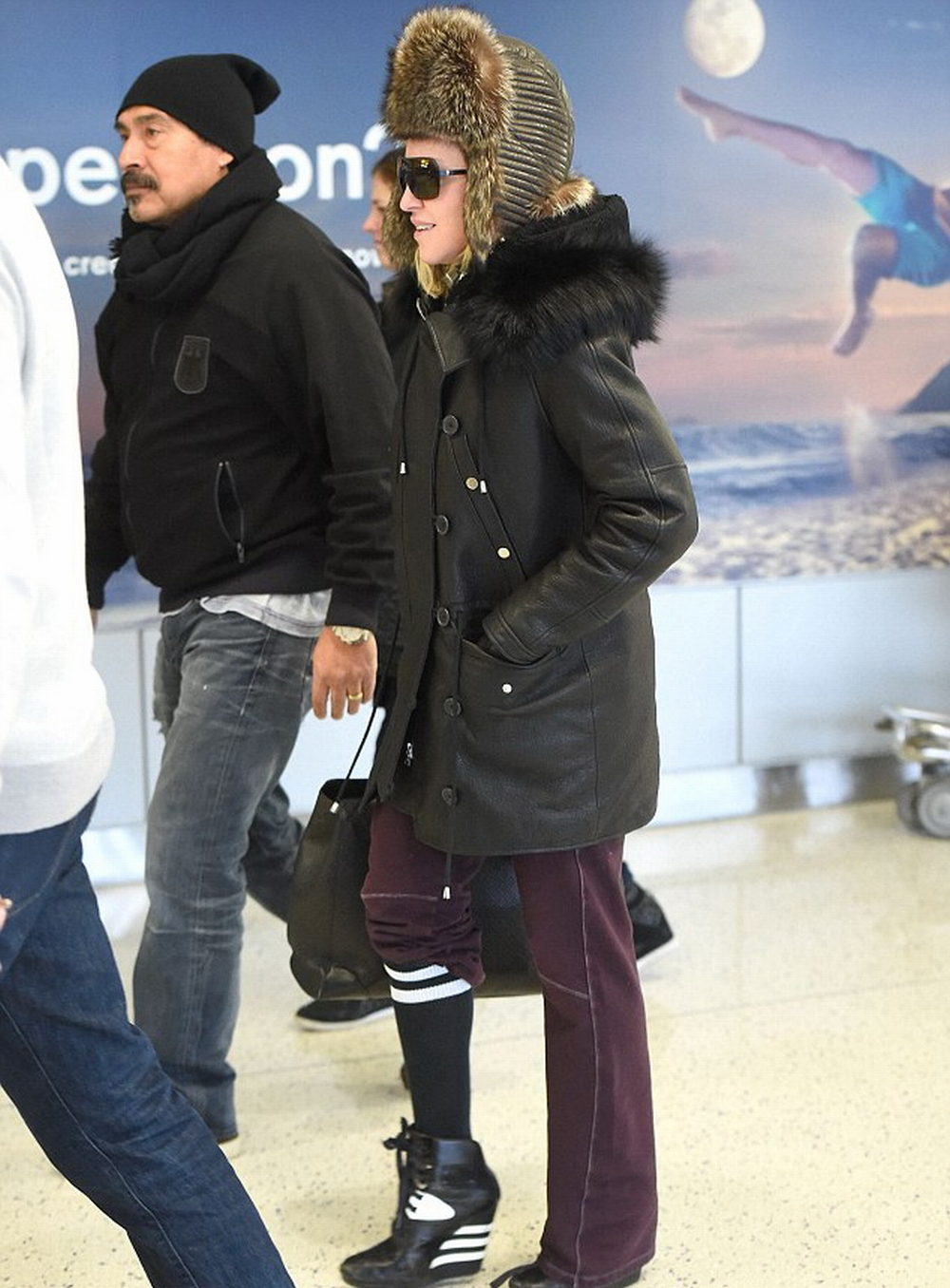 Madonna at JFK airport, New York - 1 February 2015 - Pictures (7)