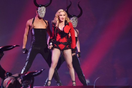 Madonna attends the 2015 Grammy Awards - Performance (2)