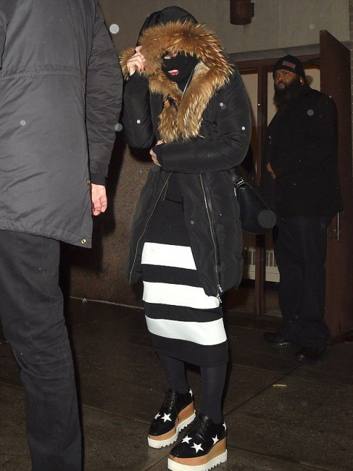 Madonna celebrating Purim in New York - March 2015 - Pictures (1)
