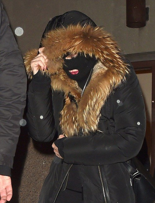Madonna celebrating Purim in New York - March 2015 - Pictures (2)