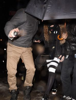 Madonna celebrating Purim in New York - March 2015 - Pictures (12)