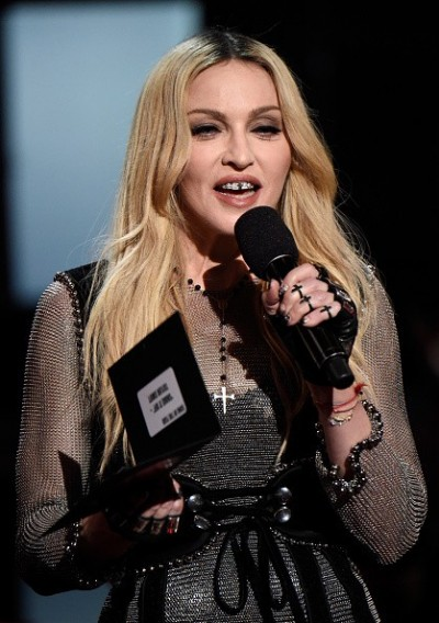 Madonna at the iHeartRadio Music Awards and Taylor Swift (24)