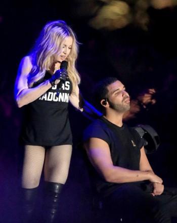 Madonna kisses Drake during surprise Coachella appearance - 12 April 2015 (10)