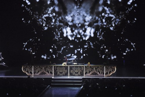 The Rebel Heart Tour Stage by Stufish (7)