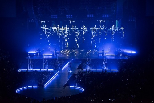 The Rebel Heart Tour Stage by Stufish (11)