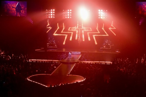 The Rebel Heart Tour Stage by Stufish (12)