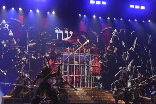 The Rebel Heart Tour Stage by Stufish (18)