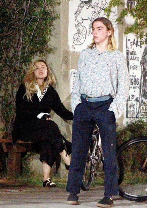 Madonna out and about in Los Angeles - 27 October 2015 - Pictures (7)