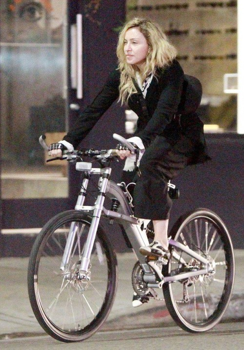 Madonna out and about in Los Angeles - 27 October 2015 - Pictures (9)