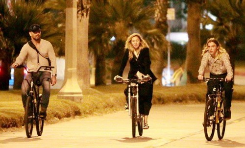 Madonna out and about in Los Angeles - 27 October 2015 - Pictures (12)