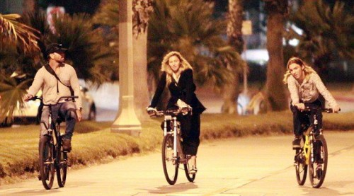Madonna out and about in Los Angeles - 27 October 2015 - Pictures (13)