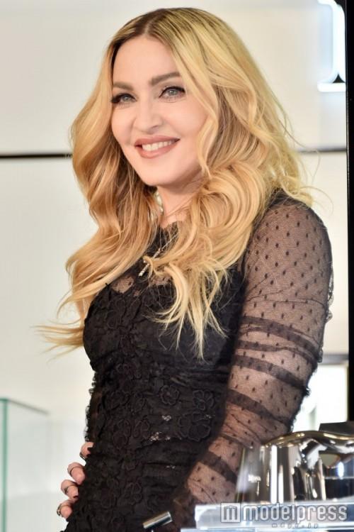 Madonna promotes MDNA Skin in Tokyo 01