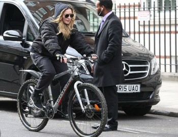 Madonna out and about in London - 17 and 18 April 2016 - Pictures (3)