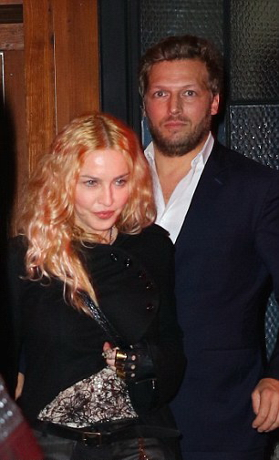 Madonna out and about in New York - 7 May 2016 - Pictures (3)