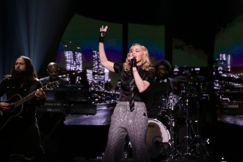 Madonna performs Borderline on Tonight Show Starring Jimmy Fallon (3)