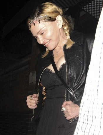 Madonna out and about in London - 30 June 2016 - Pictures (9)