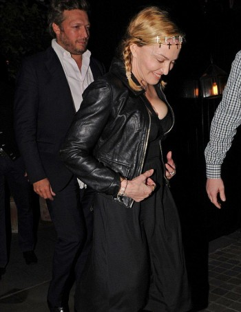 Madonna out and about in London - 30 June 2016 - Pictures (13)