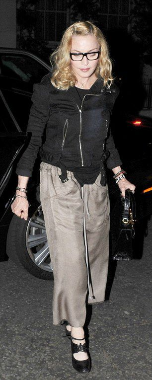 Madonna out and about in London - 14 July 2016 - Pictures (3)