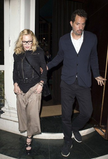 Madonna out and about in London - 14 July 2016 - Pictures (9)