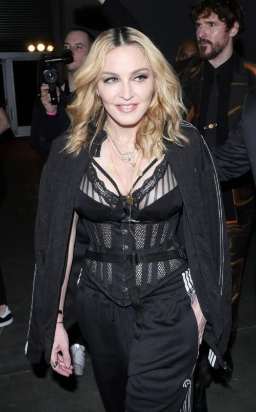 Madonna at the Alexander Wang Fashion Show, New York - 10 September 2016 - Pictures & Videos (3)