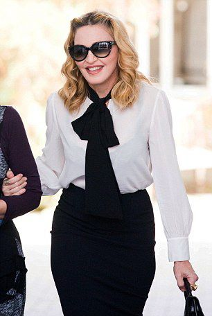 Madonna out and about in London - 13 September 2016 - Pictures  Video (2)