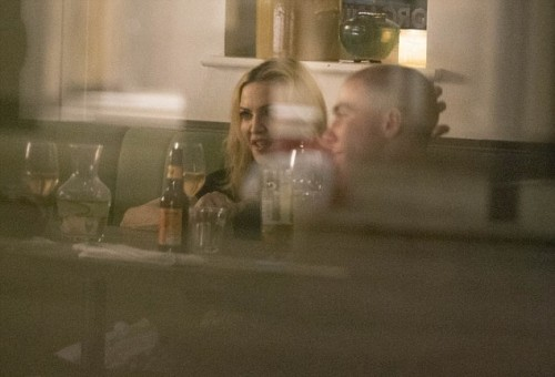 Madonna having dinner at Farmacy, London - 13 September 2016 - Pictures (17)