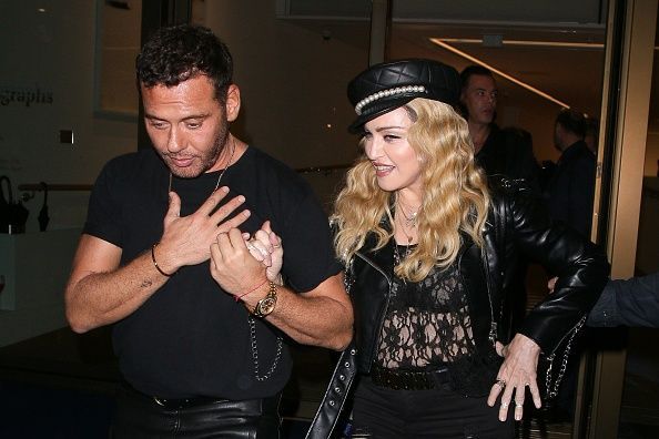 Madonna out and about in London 27 October 2016 - Pictures (14)