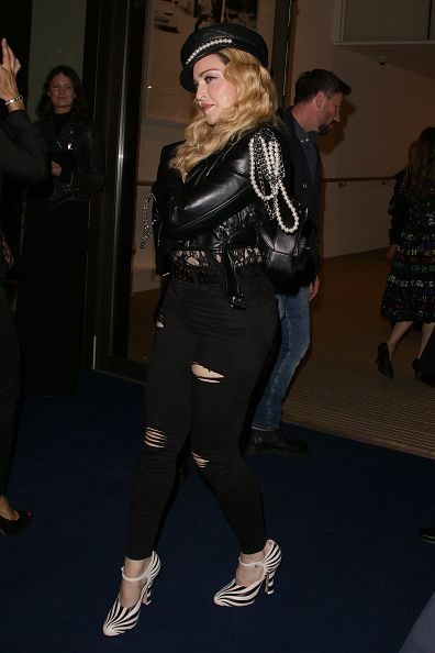 Madonna out and about in London 27 October 2016 - Pictures (15)