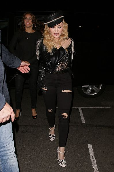 Madonna out and about in London 27 October 2016 - Pictures (20)