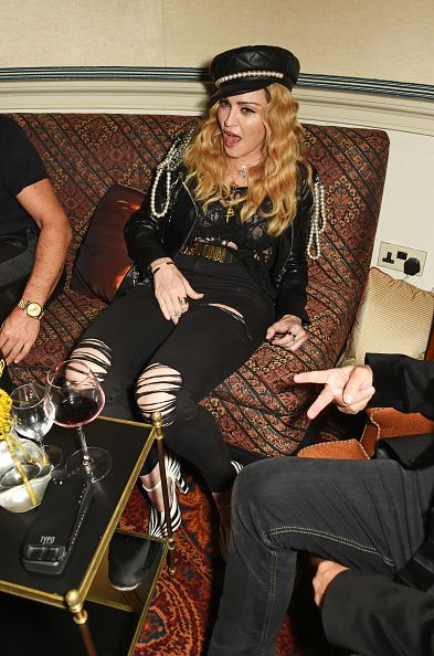 Madonna out and about in London 27 October 2016 - Pictures (27)