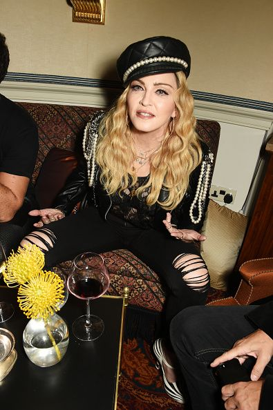 Madonna out and about in London 27 October 2016 - Pictures (30)