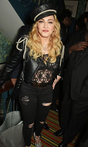 Madonna out and about in London 27 October 2016 - Pictures (32)