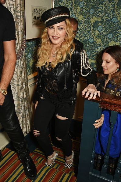 Madonna out and about in London 27 October 2016 - Pictures (33)