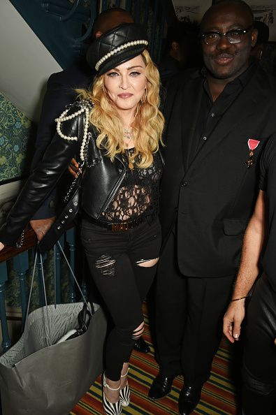 Madonna out and about in London 27 October 2016 - Pictures (41)