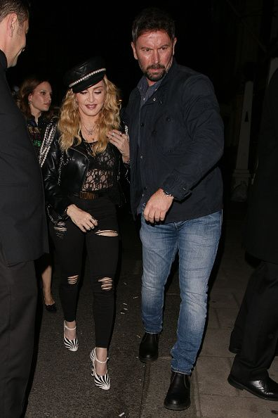 Madonna out and about in London 27 October 2016 - Pictures (46)
