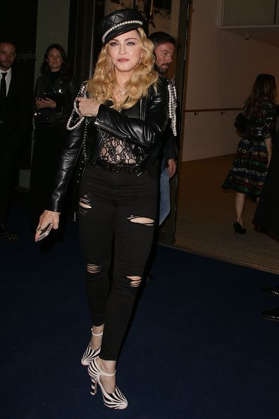 Madonna out and about in London 27 October 2016 - Pictures (58)