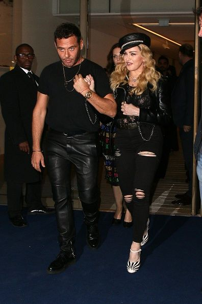 Madonna out and about in London 27 October 2016 - Pictures (59)
