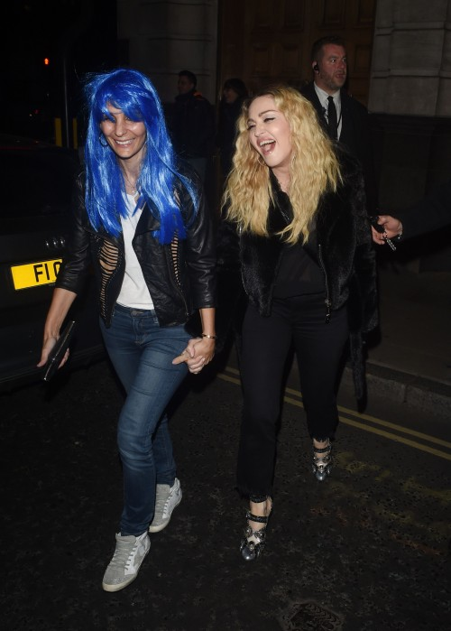 Madonna out and about in London - 28 October 2016 - Pictures (2)