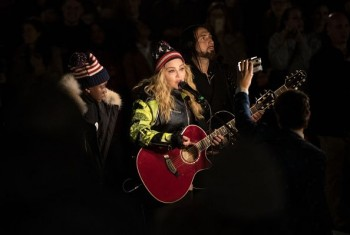 Madonna performs 5 acoustic songs at Washington Square Park  New York (1)