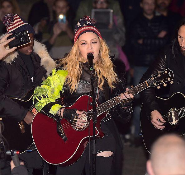 Madonna Performs 5 Acoustic Songs At Washington Square
