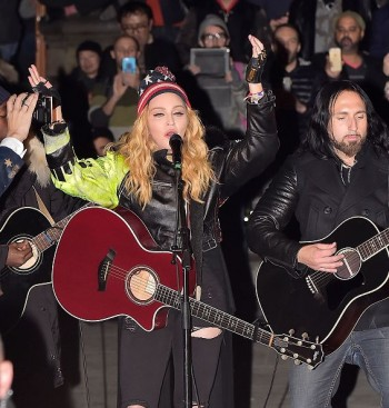 Madonna performs 5 acoustic songs at Washington Square Park  New York (6)