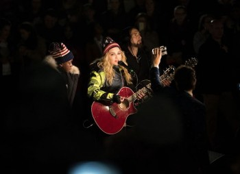 Madonna performs 5 acoustic songs at Washington Square Park  New York (8)