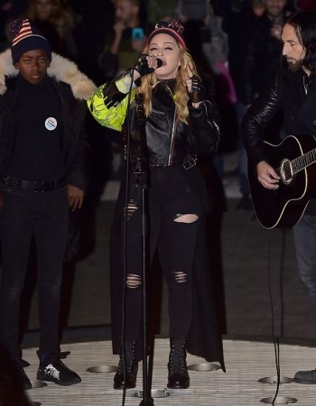 Madonna performs 5 acoustic songs at Washington Square Park  New York (9)