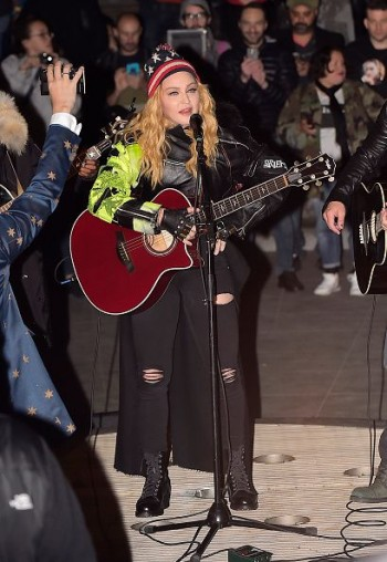 Madonna performs 5 acoustic songs at Washington Square Park  New York (10)